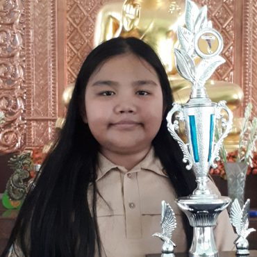 Amelia-Tan-2nd-winner-Solo-Vocal-Competition-Amethyst-SMPK5-Penabur-ok.jpg