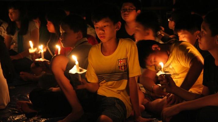 Menyalakan Lilin Bersama – Farewell