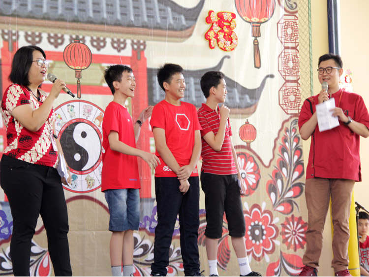 The students were asked about their angpao!