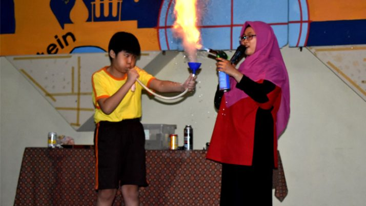FIELD TRIP TMII – Science Fire Show