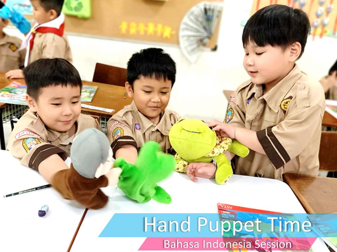 Hand Puppet Time